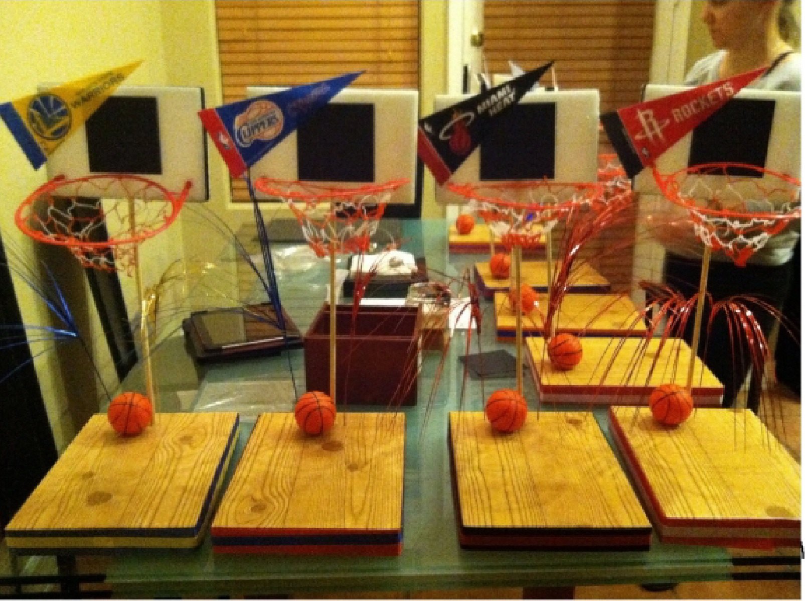 Do it yourself basketball centerpiece kit completed party lori diy 5 solutioingenieria Gallery