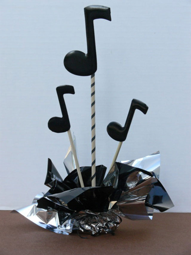 DIY Music Note Centerpiece Sample